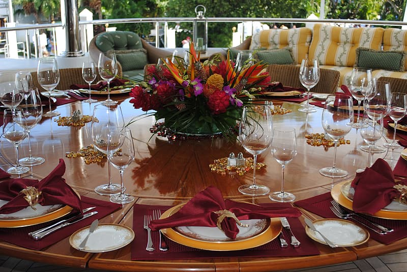 Table with wine glasses and plates