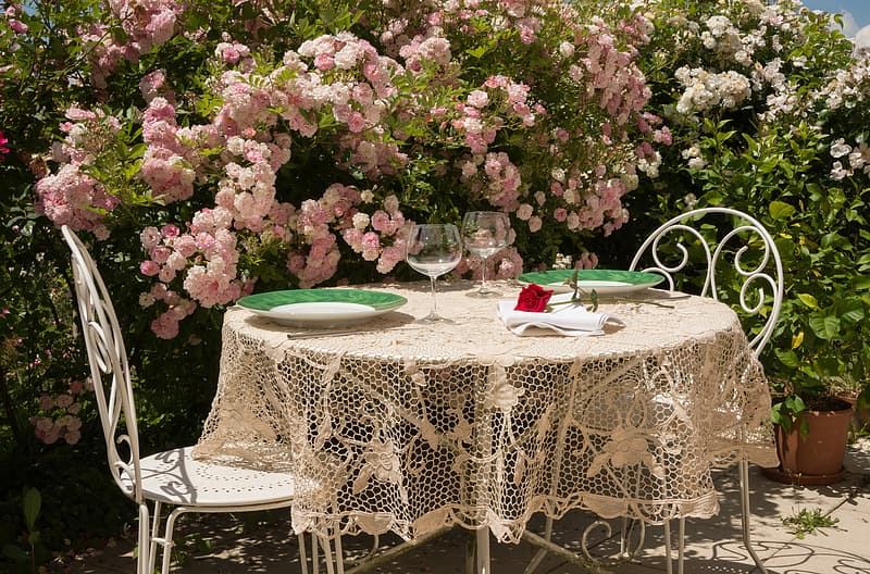 Round White Table With Beige Lace, White Tablecloth Round 1080p