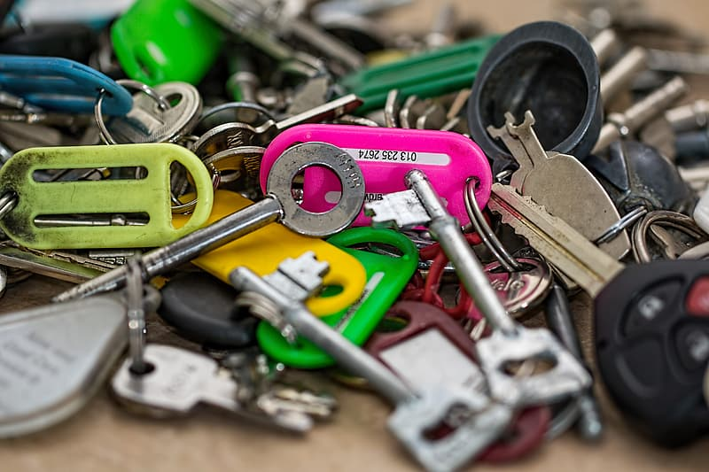 Selective focus photography of keys