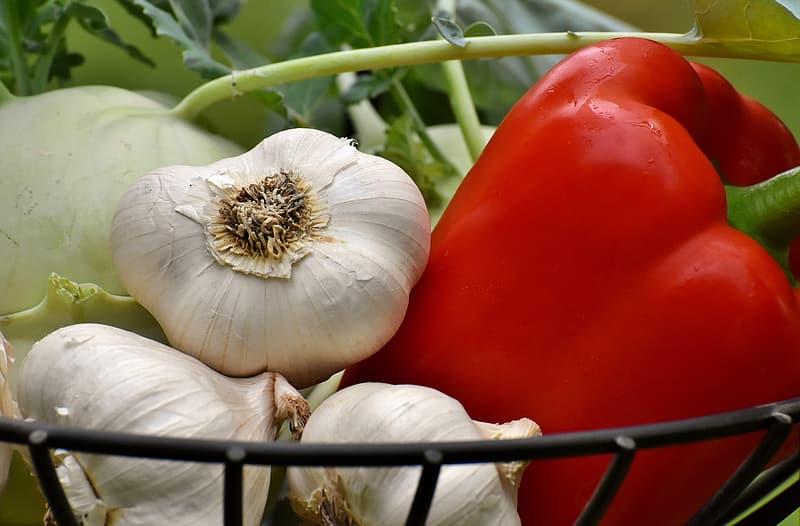 Garlic and bell pepper