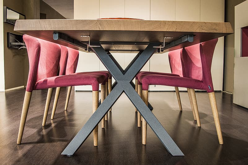 Brown-and-pink wooden 5-piece dining set