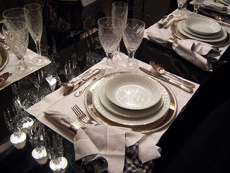 Arrangement of plates and cutlery