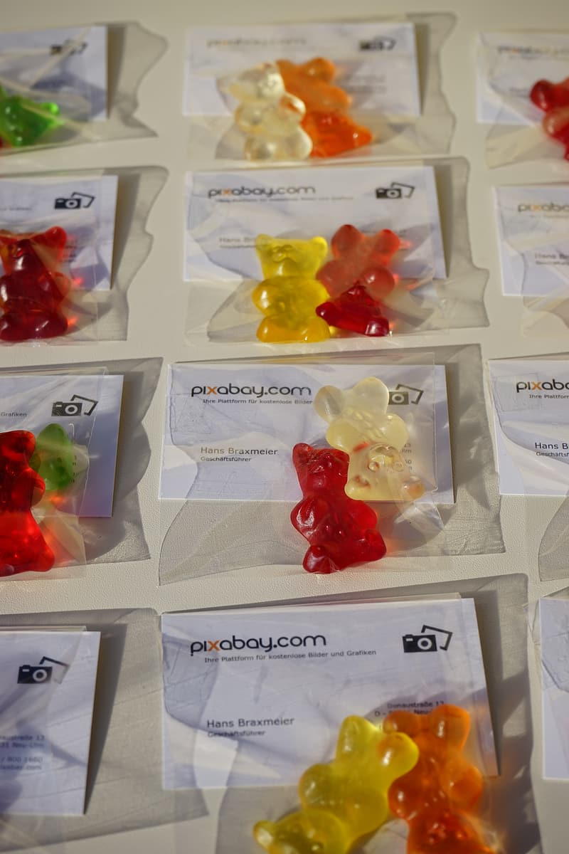 Yellow and red gummy bears