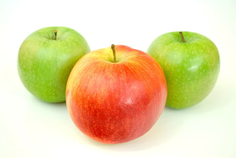 One red and two green Granny smith apples