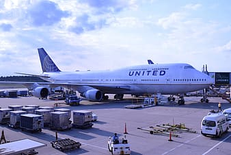 United Airlines airport at daytime