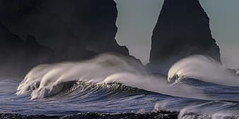 Time lapse photo of ocean waves