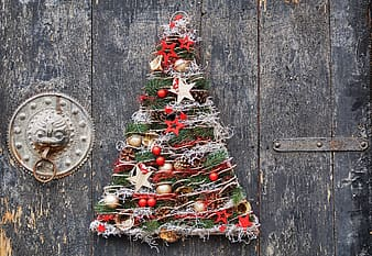 Green, red, and brown Christmas tree wreath