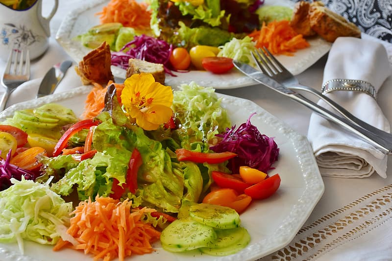 White ceramic plate with vegetables