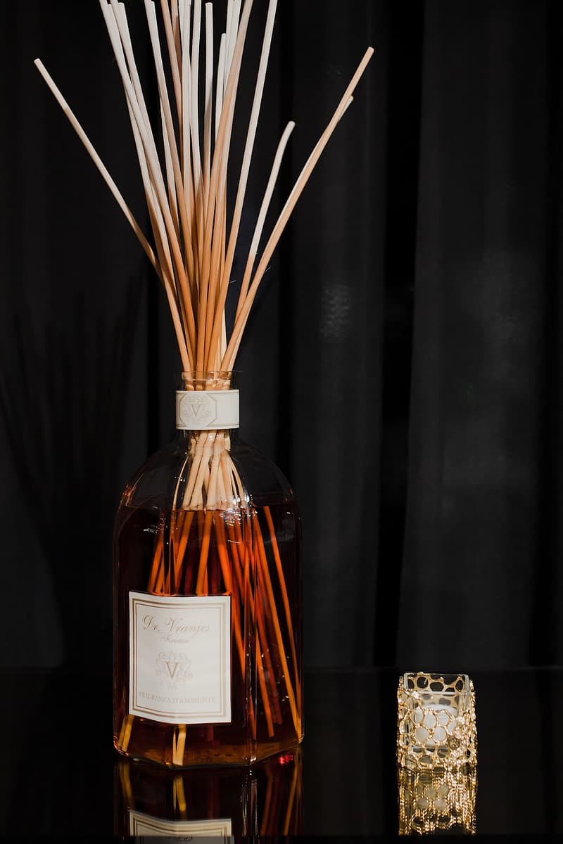 Aroma reed diffuser in contemporary style