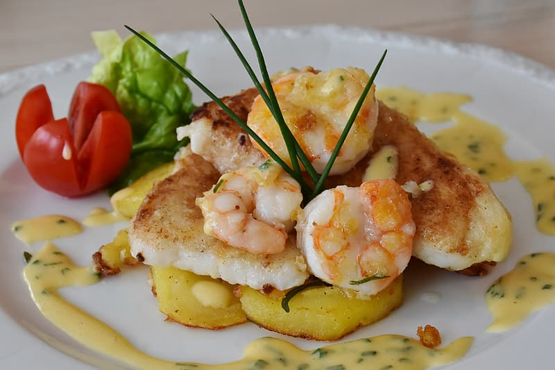 Shrimp with sauce and tomato dish