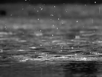 Water wave in grayscale photography