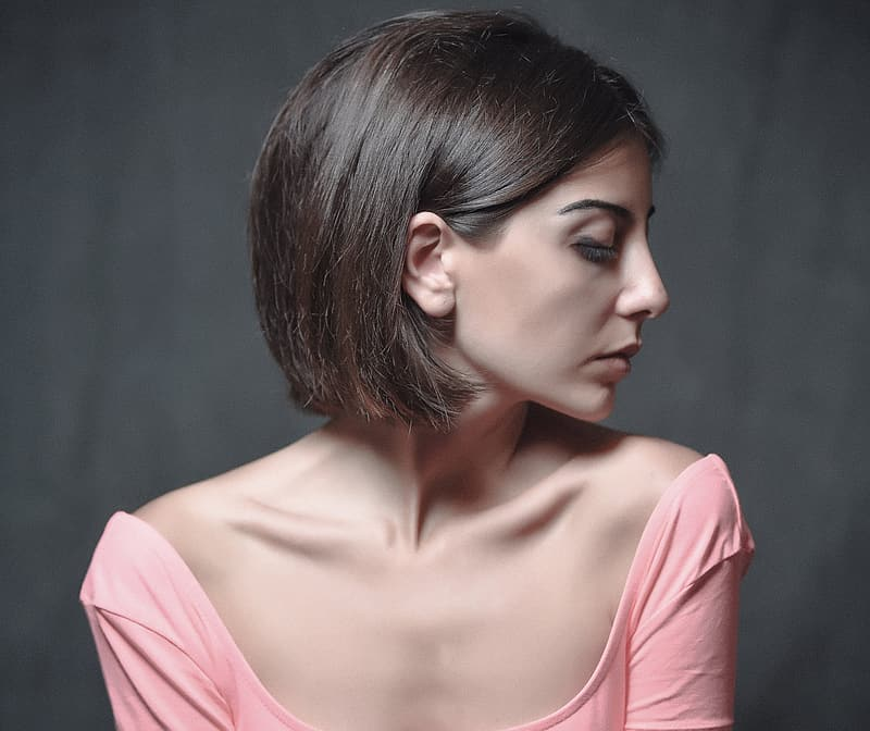 Woman wearing pink scoop-neck top photo
