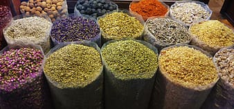 Assorted-color spice lot