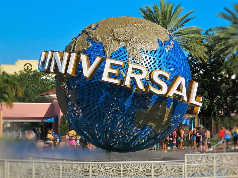 Universal logo with water fountain