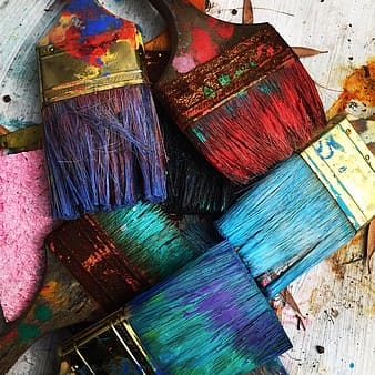 Closeup photo of assorted-color paint brush lot