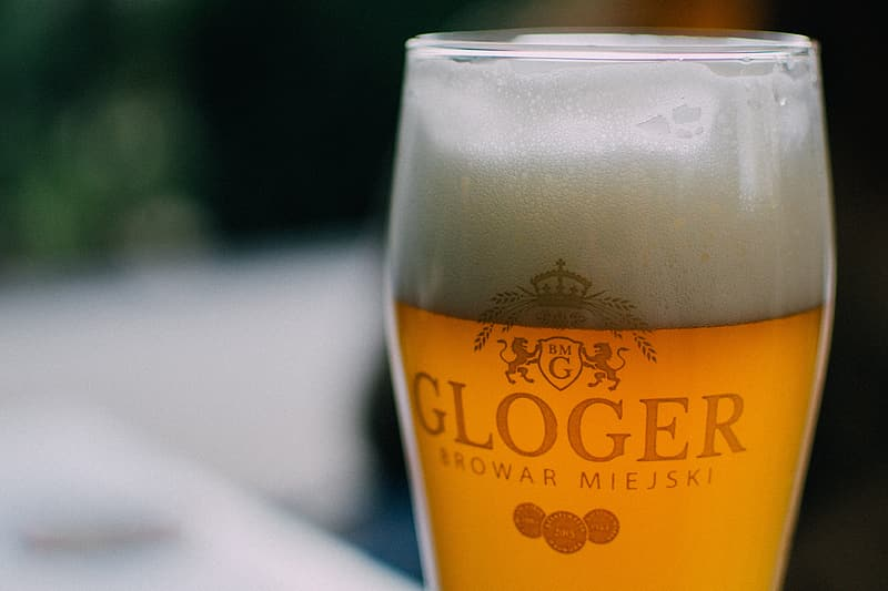 Closeup photography of Gloger drinking glass