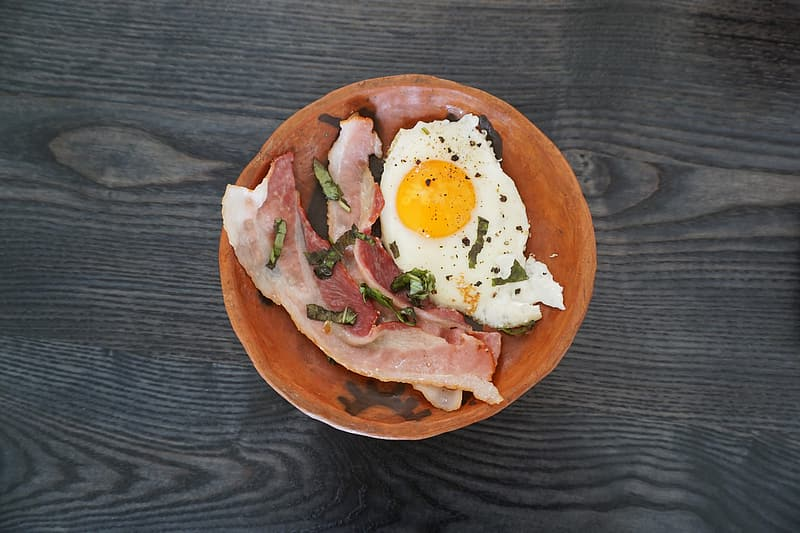 Bacon with egg in bowl | Pikrepo