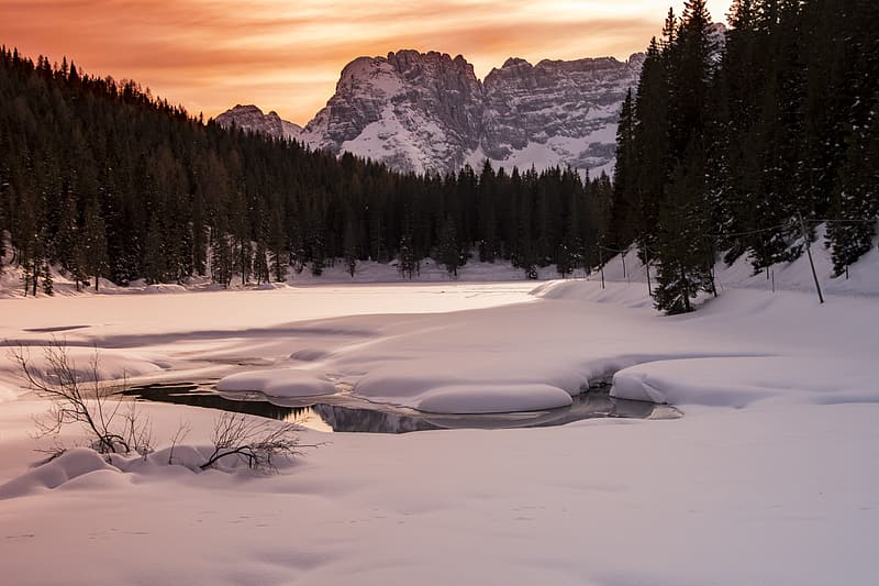 Photo of body of water during winter season